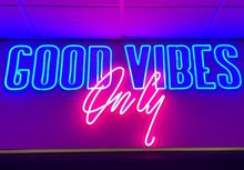 GOOD-VIBES-ONLY-DELUXE-neon-verlichting-sign